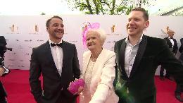 Deutscher Filmpreis 2014 - Telekom erfüllt 86-jähriger Komparsin Johanna Penski einen Lebenstraum
