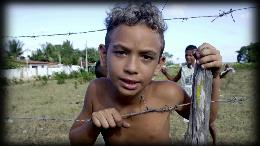 Blick hinter die WM-Fassade: Favela-Kinder unterwegs als Fotoreporter / Hilfsprojekt eröffnet mit der Fotokamera neue Perspektiven / Video für Online-Redaktionen kostenfrei verfügbar (VIDEO)