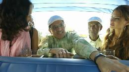 Gratulation auf kubanisch / Zum Auftakt der bundesweiten Taxi Especial City-Tour gratuliert Havana Club einer ganz besonderen Jubilarin (VIDEO)