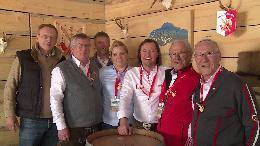 Die Arlberg Lounge ist eröffnet - mit wehenden SCA Fahnen - VIDEO/BILD